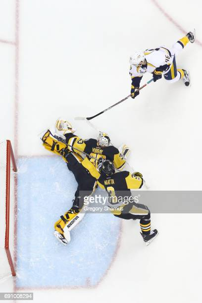 Pontus Aberg of the Nashville Predators scores a goal past Matt Murray of the Pittsburgh Penguins during the first period in Game Two of the 2017 NHL...