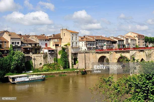 PontVieux or 'Pont des Cieutat' bridge at VilleneuvesurLot LotetGaronne department Aquitaine region France 'Voie de Rocamadour' pilgrimage route Way...