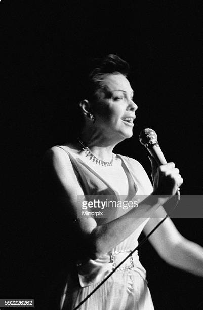 A poor performance saw Judy struggling through her signature song 'Over the Rainbow' and the audience pelted her with bread sticks and cigarette...