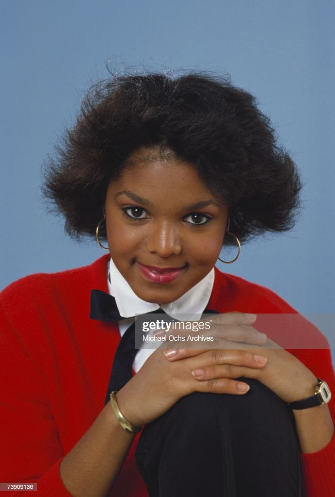 Pop singer Janet Jackson poses for a portrait session on August 2, 1982 in Los Angeles, California.