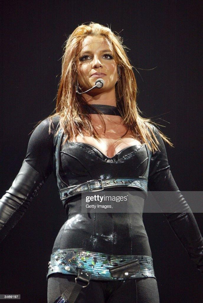 Pop star Britney Spears plays first night of her 'UK Onyx ... Britney Spears Tickets