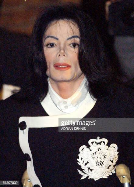 Pop star Michael Jackson arrives at the Oxford Union at Oxford University 06 March 2001 Jackson was visiting the university to deliver a speech to...