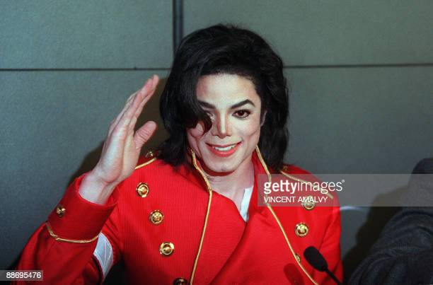 US pop star Michael Jackson waves to photographers during a press conference in Paris on March 19 1996 Michael Jackson died on June 25 2009 after...