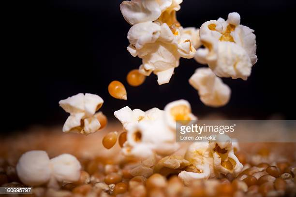 Popcorn popping with kernels in mid air