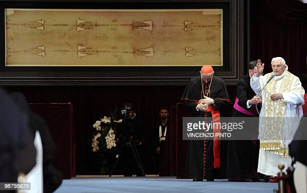 Pope Benedict XVI blesses in front of the Shroud in theTurin cathedral on May 2 2010 Pope Benedict XVI will bow before the Shroud of Turin the object...