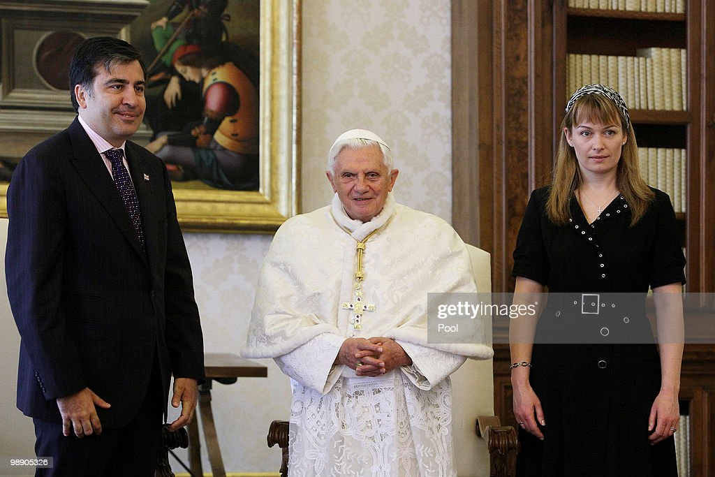 <a gi-track='captionPersonalityLinkClicked' href=/galleries/search?phrase=Pope+Benedict+XVI&family=editorial&specificpeople=201771 ng-click='$event.stopPropagation()'>Pope Benedict XVI</a> meets President of Georgia <a gi-track='captionPersonalityLinkClicked' href=/galleries/search?phrase=Mikheil+Saakashvili&family=editorial&specificpeople=603665 ng-click='$event.stopPropagation()'>Mikheil Saakashvili</a> and his wife at his library on May 7, 2010 in Vatican City, Vatican.