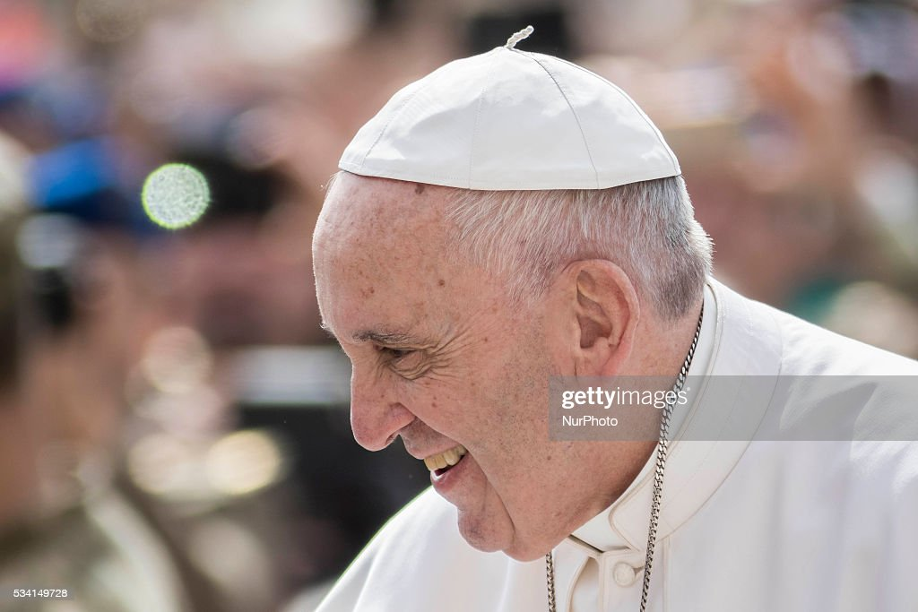 <a gi-track='captionPersonalityLinkClicked' href=/galleries/search?phrase=Pope+Francis&family=editorial&specificpeople=2499404 ng-click='$event.stopPropagation()'>Pope Francis</a> arrives to celebrate his Weekly General Audience in St. Peter's Square in Vatican City, Vatican on May 25, 2016. At the conclusion of his weekly General Audience, <a gi-track='captionPersonalityLinkClicked' href=/galleries/search?phrase=Pope+Francis&family=editorial&specificpeople=2499404 ng-click='$event.stopPropagation()'>Pope Francis</a> prayed for the victims of terrorist attacks that took place in Syria on Monday.