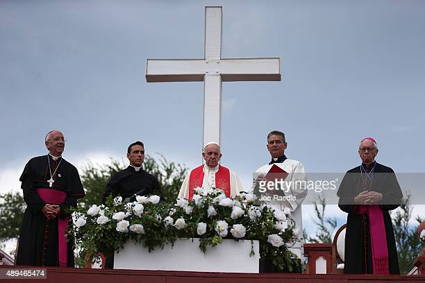 Pope Francis conducts a blessing of the city from the Loma de la Cruz or the Hill of the Cross on September 21 2015 in Holguin Cuba Pope Francis is...
