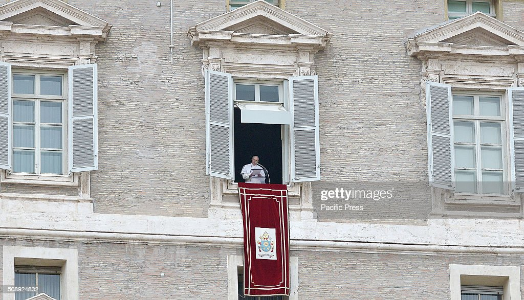Pope Francis during the Sunday Angelus, recalled S.Pio and S.Leopoldo as witnesses of the Jubilee of Mercy. During his homily, Pope Francis asked the faithful to pray for our brothers in Syria and to put the prayers for the Pope.