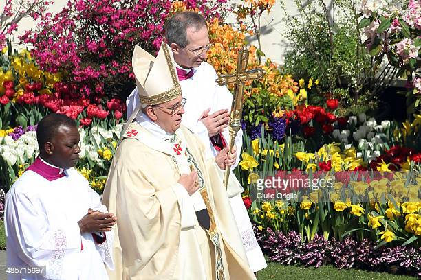 Pope Francis holds Easter Mass in St Peter's Square on April 20 2014 in Vatican City Vatican Pope Francis is attending the Holy Week for his second...