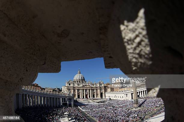 Pope Francis holds holy Mass at St Peter's Square for the closing of Extraordinary Synod on October 19 2014 in Vatican City Vatican During the Mass...