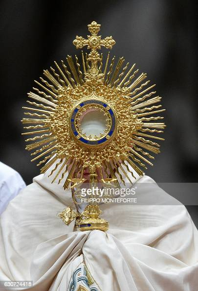 Monstrance Stock Photos and Pictures | Getty Images