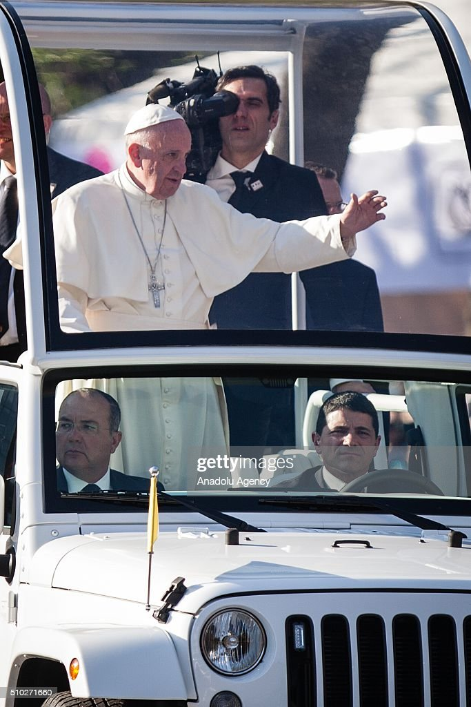 Pope Francis is seen passing by the monument of the Angel de la Independencia in his Pastoral Visit to Mexico. In Mexico City, Mexico on February 14, 2016.
