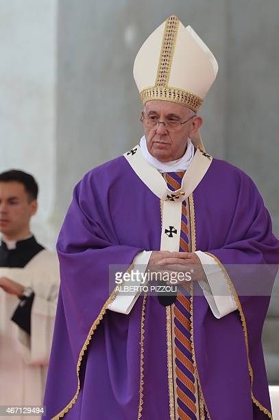 Pope Francis leads a mass during a pastoral visit at the Piazza del Plebiscito on March 21 2015 in Naples Up to 800000 people were expected to turn...