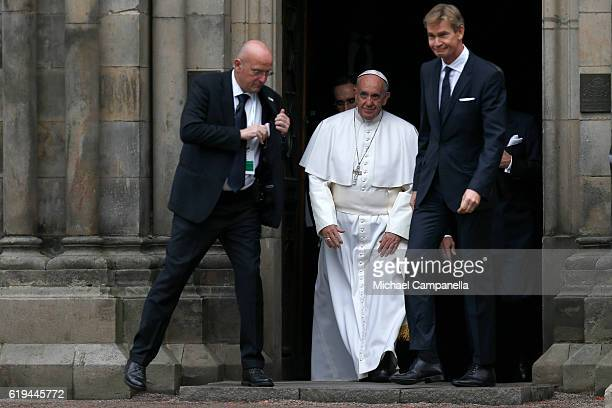 Pope Francis leaves Kungshuset on October 31 2016 in Lund Sweden The Pope is on 2 days visit attending CatholicLutheran Commemoration in Lund and...
