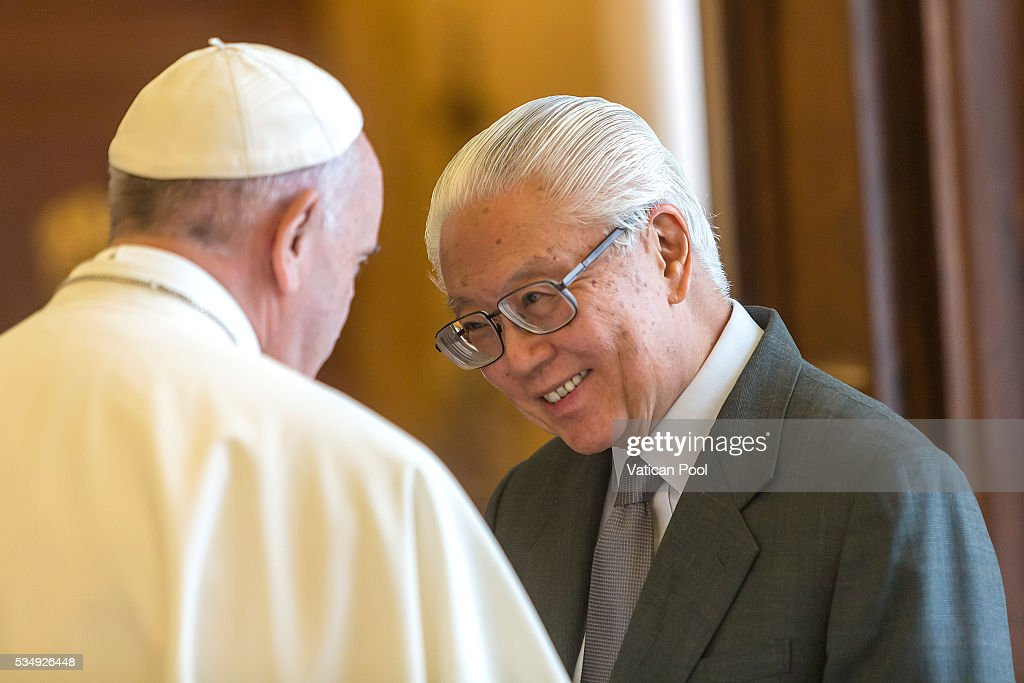 Pope Francis meets President of the Republic of Singapore <a gi-track='captionPersonalityLinkClicked' href=/galleries/search?phrase=Tony+Tan+Keng+Yam&family=editorial&specificpeople=6629941 ng-click='$event.stopPropagation()'>Tony Tan Keng Yam</a> at the Apostolic Palace on May 28, 2016 in Vatican City, Vatican. Two leaders spoke about certain international issues and the regional political situation, with particular reference to the importance of interreligious and intercultural dialogue for the promotion of human rights, stability, justice and peace in Southeast Asia.