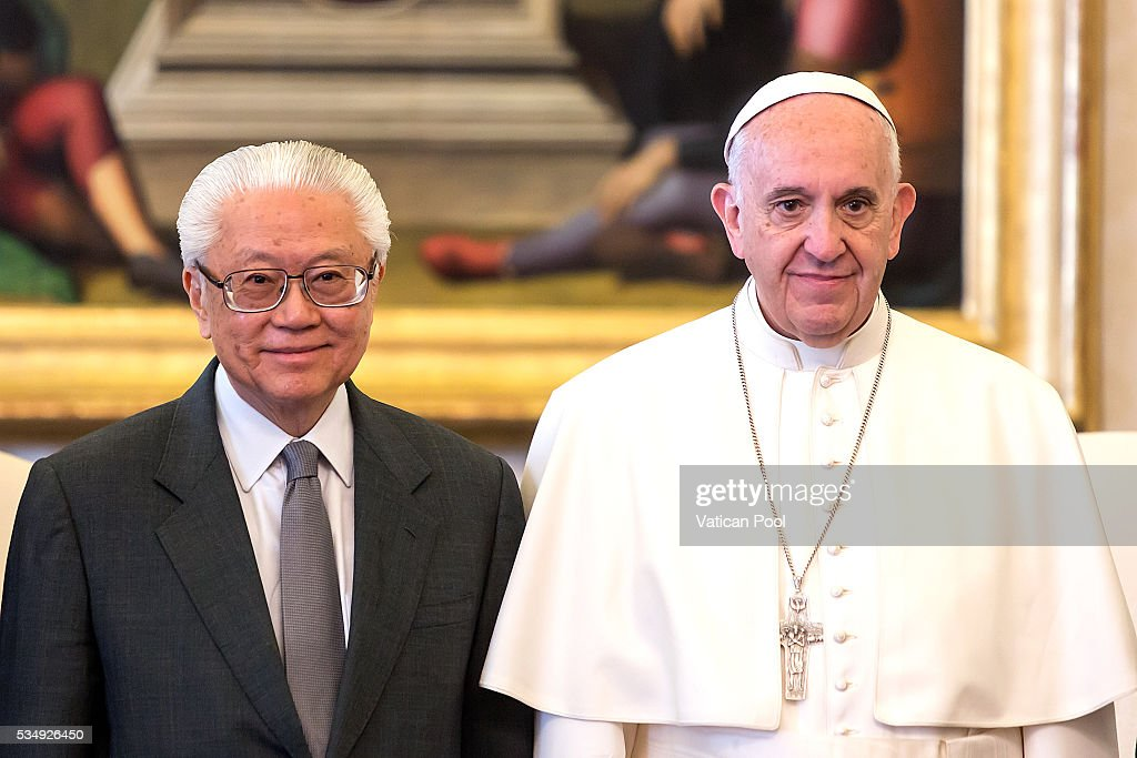 <a gi-track='captionPersonalityLinkClicked' href=/galleries/search?phrase=Pope+Francis&family=editorial&specificpeople=2499404 ng-click='$event.stopPropagation()'>Pope Francis</a> meets President of the Republic of Singapore <a gi-track='captionPersonalityLinkClicked' href=/galleries/search?phrase=Tony+Tan+Keng+Yam&family=editorial&specificpeople=6629941 ng-click='$event.stopPropagation()'>Tony Tan Keng Yam</a> at the Apostolic Palace on May 28, 2016 in Vatican City, Vatican. Two leaders spoke about certain international issues and the regional political situation, with particular reference to the importance of interreligious and intercultural dialogue for the promotion of human rights, stability, justice and peace in Southeast Asia.