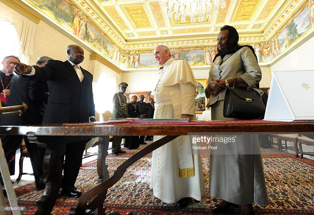 Pope Francis meets Ugandan President Yoweri Kaguta Museveni and his wife Janet Museveni at the Apostolic Palace on October 27 2014 in Vatican City...