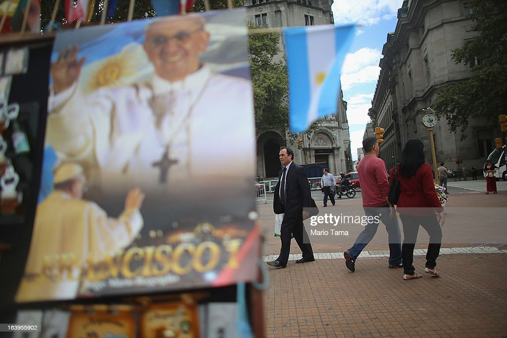 <a gi-track='captionPersonalityLinkClicked' href=/galleries/search?phrase=Pope+Francis&family=editorial&specificpeople=2499404 ng-click='$event.stopPropagation()'>Pope Francis</a> mementos are displayed for sale in Plaza de Mayo on March 18, 2013 in Buenos Aires, Argentina. Francis was the archbishop of Buenos Aires and is the first Pope to hail from South America. Francis will be officially installed as Pope tomorrow at Saint Peter's Square and the event will be broadcast live in Plaza de Mayo for Buenos Aires residents.