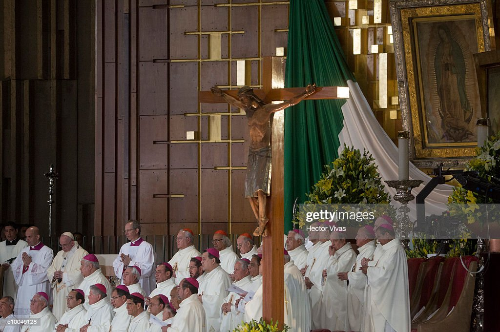 Pope Francis prays during a mass for the people at Basilica de Guadalupe on February 13, 2016 in Mexico City, Mexico. Pope Francis is on a five days visit in Mexico from February 12 to 17 where he is expected to visit five states.