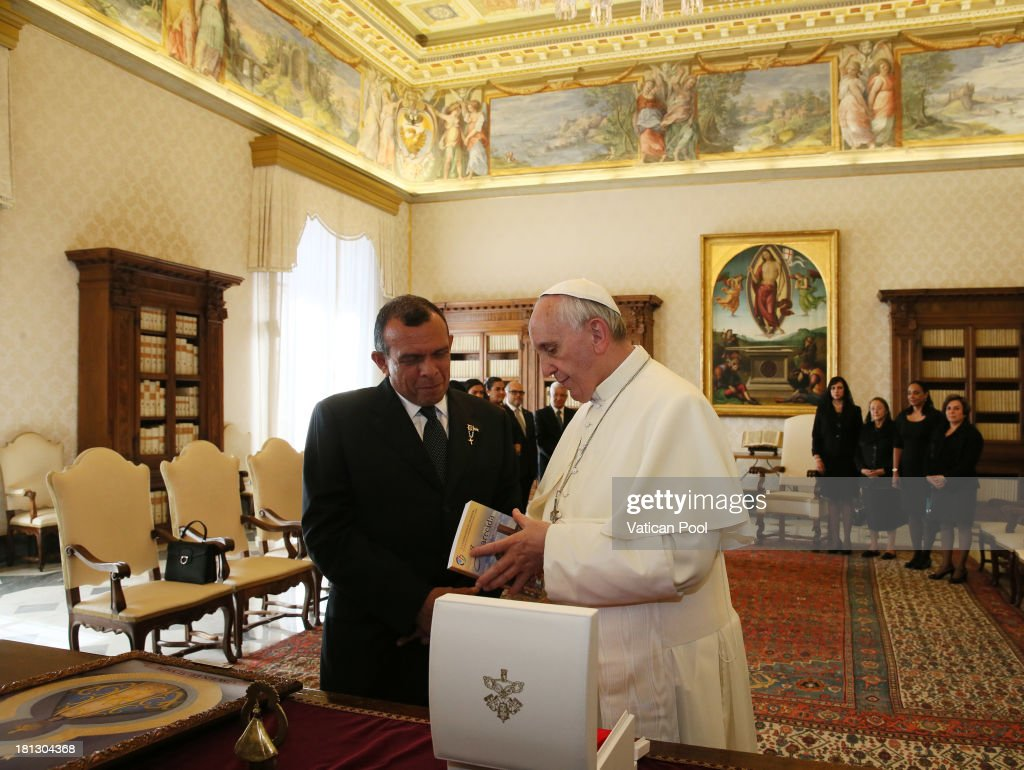Pope Francis receives in audience with the Honduras President <a gi-track='captionPersonalityLinkClicked' href=/galleries/search?phrase=Porfirio+Lobo+Sosa&family=editorial&specificpeople=5623083 ng-click='$event.stopPropagation()'>Porfirio Lobo Sosa</a> on September 20, 2013 in Vatican City, Vatican.