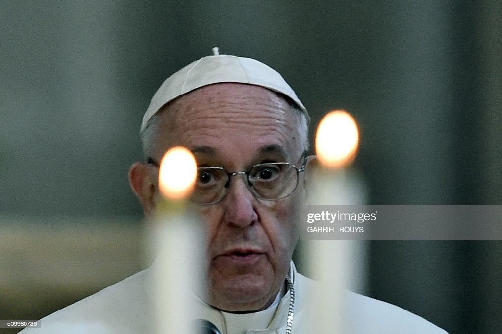 Pope Francis speaks during a meeting with Mexican bishops gathered in the Cathedral in Mexico City, on February 13, 2016. Pope Francis urged Mexican bishops to take on drug trafficking with 'prophetic courage,' warning that it represents a moral challenge to society and the church. AFP PHOTO / GABRIEL BOUYS / AFP / GABRIEL BOUYS