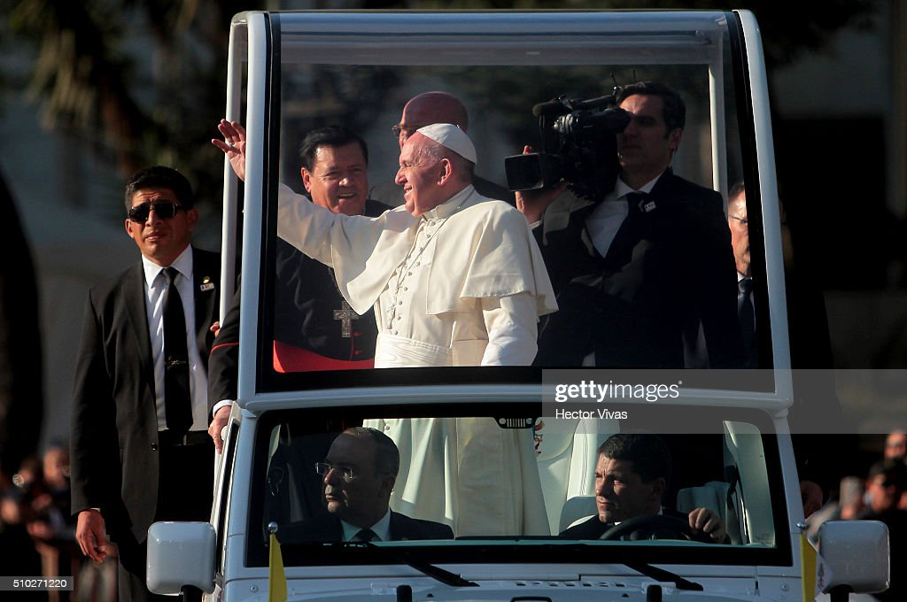 <a gi-track='captionPersonalityLinkClicked' href=/galleries/search?phrase=Pope+Francis&family=editorial&specificpeople=2499404 ng-click='$event.stopPropagation()'>Pope Francis</a> waves at Angel de la Independencia statue on February 14, 2016 in Mexico City, Mexico. <a gi-track='captionPersonalityLinkClicked' href=/galleries/search?phrase=Pope+Francis&family=editorial&specificpeople=2499404 ng-click='$event.stopPropagation()'>Pope Francis</a> will be on a five-day visit in Mexico from February 12 to 17 where he is expected to visit five states.