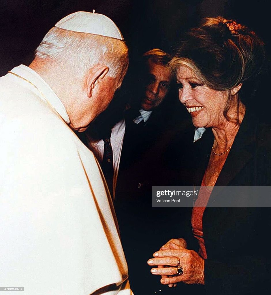 Pope John Paul II meets Brigitte Bardot at his private library in the Apostolic Palace on September 27, 1995 in Vatican City, Vatican.