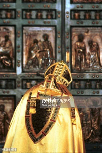 Pope John Paul II prays as he closes the Holy Door of St Peter's Basilica during a ceremony that marks the end of the Roman Catholic Church's special...