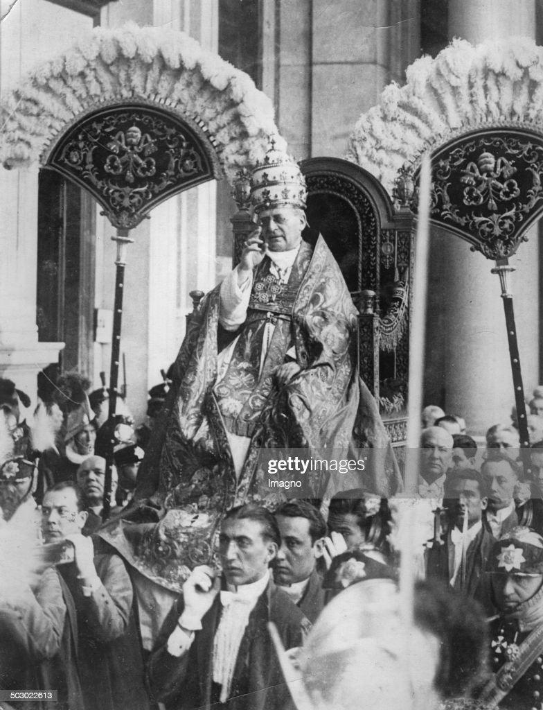 <a gi-track='captionPersonalityLinkClicked' href=/galleries/search?phrase=Pope+Pius+XI&family=editorial&specificpeople=93954 ng-click='$event.stopPropagation()'>Pope Pius XI</a> with tiara. 1935. Photograph.