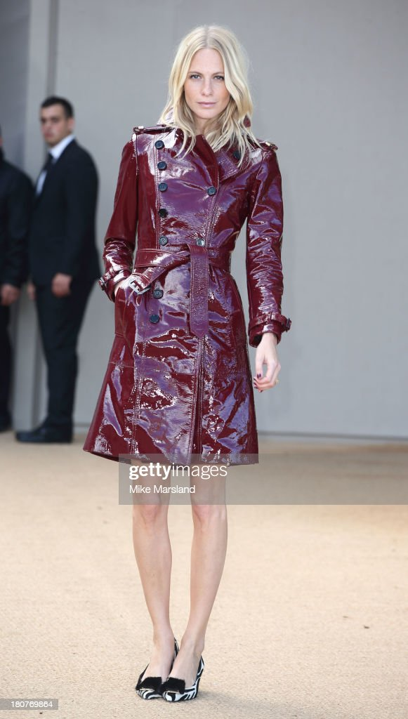 <a gi-track='captionPersonalityLinkClicked' href=/galleries/search?phrase=Poppy+Delevingne&family=editorial&specificpeople=2348985 ng-click='$event.stopPropagation()'>Poppy Delevingne</a> attends the Burberry Prorsum show during London Fashion Week SS14 at Kensington Gardens on September 16, 2013 in London, England.