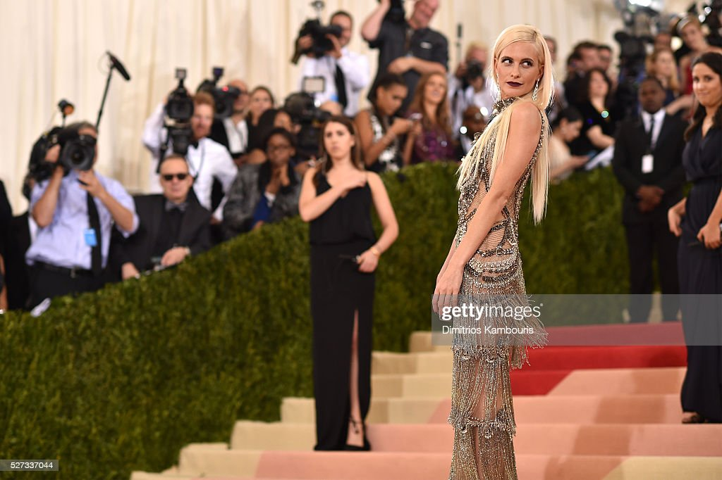 Poppy Delevingne attends the 'Manus x Machina: Fashion In An Age Of Technology' Costume Institute Gala at Metropolitan Museum of Art on May 2, 2016 in New York City.