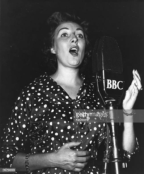 Popular British singer Dame Vera Lynn in action for the BBC Original Publication People Disc HF0435