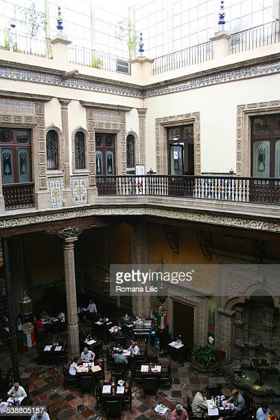 Sanborns photos et images de collection getty images for Sanborns palacio