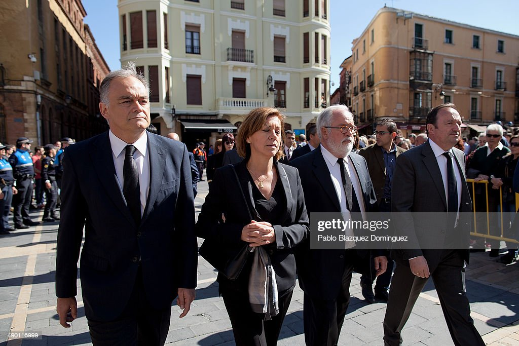 Popular Party deputy Secretary General of organization General Esteban Gonzalez Pons Popular Party General Secretary Maria Dolores de Cospedal and...