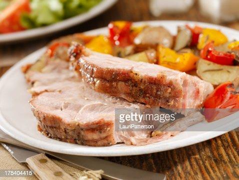 豚のローストのディナー