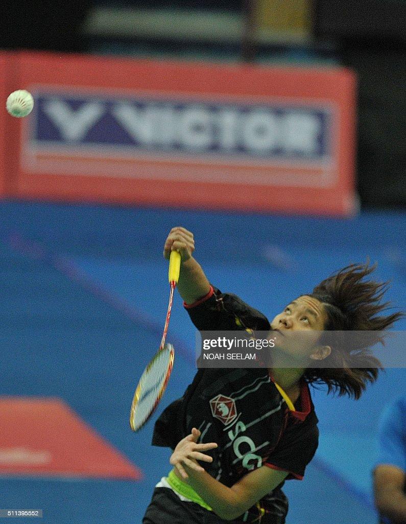 Porntip Buranaprasertsuk of Thailand plays against Sayaka Sato of