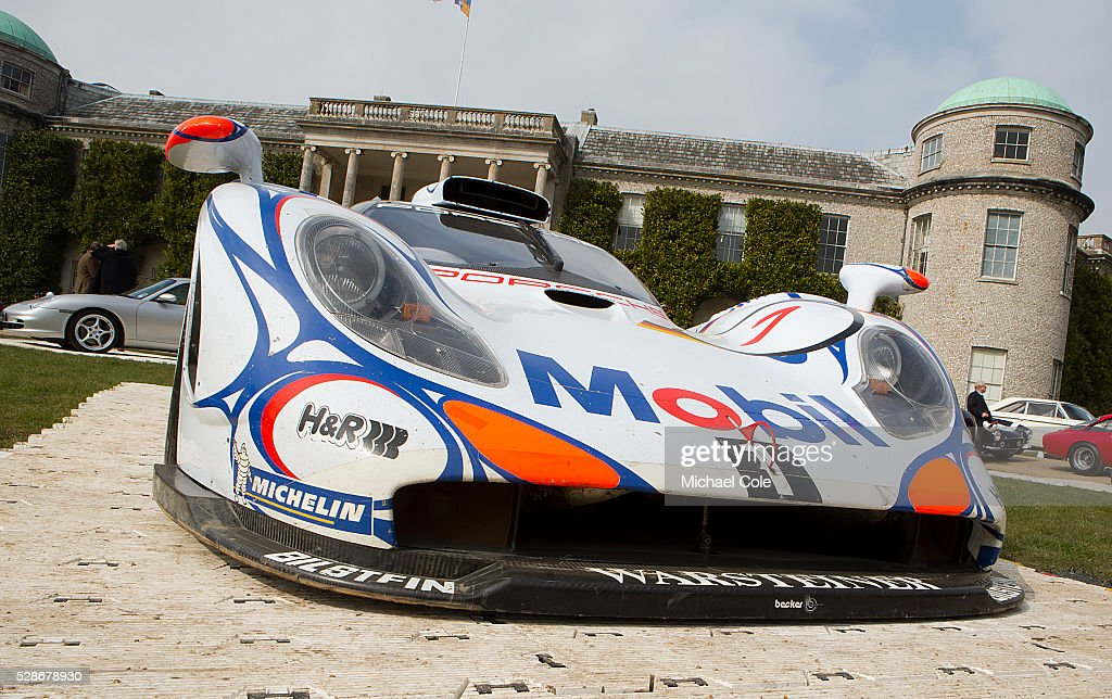 porsche 911 gt1 winner at le mans 1998 pictures getty images. Black Bedroom Furniture Sets. Home Design Ideas