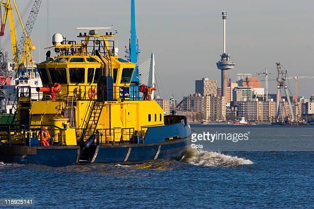 Port authority boat