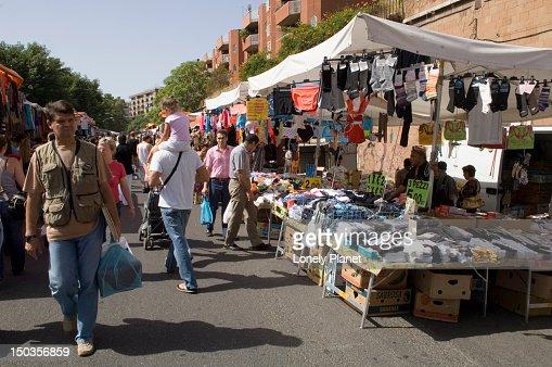 Porta portese market trastevere and testaccio stock photo - Porta portese roma case ...