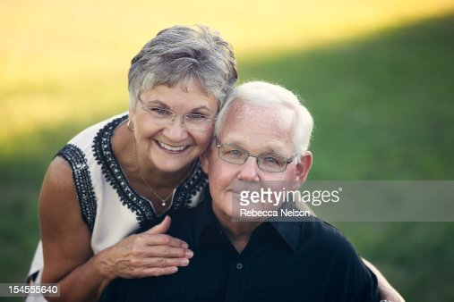 Portait of a senior married couple : Photo
