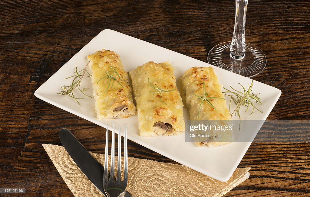 Portion of cannelloni : Stock Photo