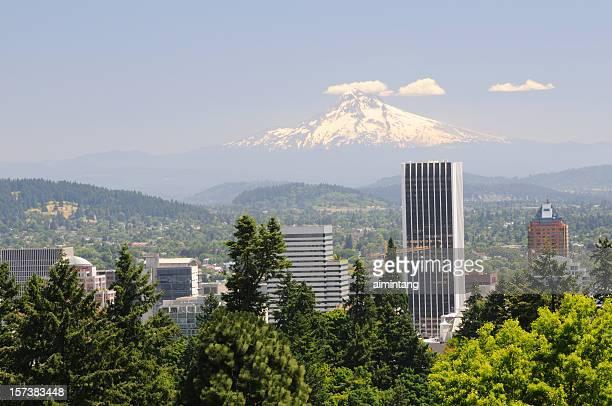 La ciudad de Portland y de Mt Hood