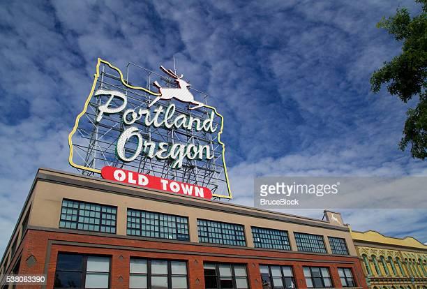 Hito de Portland Oregon despedida señal en Casco antiguo