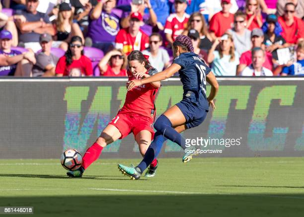 Portland Thorns FC forward Hayley Raso crosses the ball during the NWSL soccer Championship match between the North Carolina Courage and Portland...