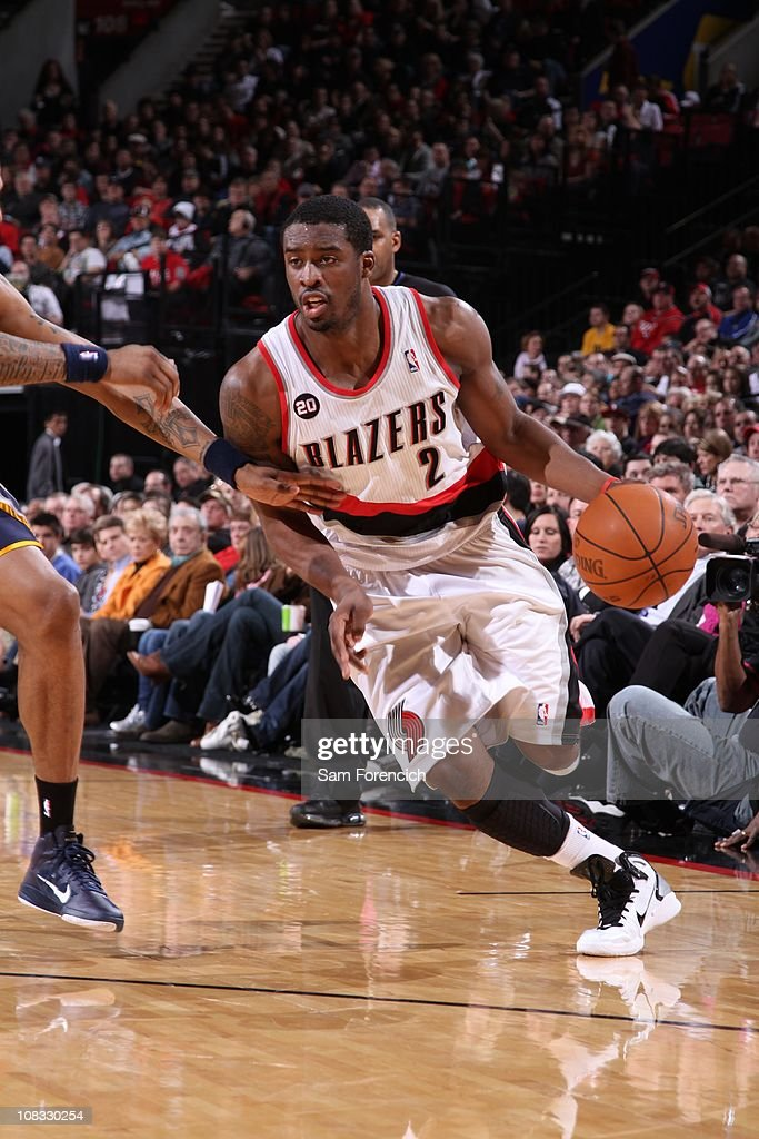 Portland Trail Blazers guard <a gi-track='captionPersonalityLinkClicked' href=/galleries/search?phrase=Wesley+Matthews+-+Basketball+Player&family=editorial&specificpeople=804816 ng-click='$event.stopPropagation()'>Wesley Matthews</a> #2 drives to the basket during a game against the Indiana Pacers on January 22, 2011 at the Rose Garden Arena in Portland, Oregon. The Trail Blazers won 97-92.