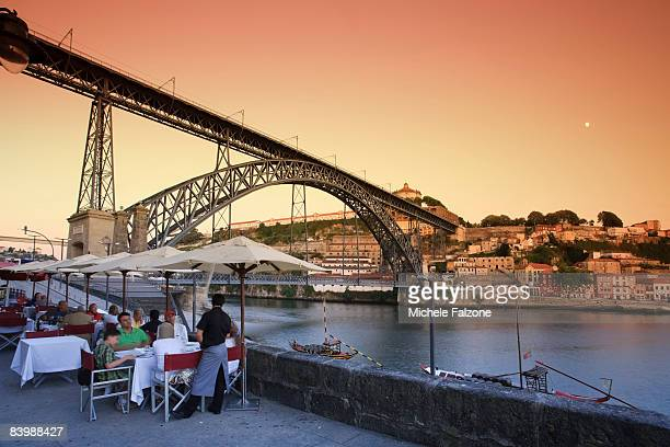 Porto, Outdoor dining on Douro River