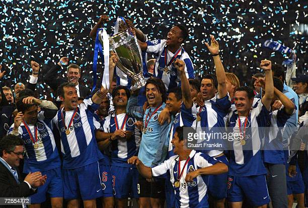 Porto players celebrate winning the Champions League during the UEFA Champions League Final match between AS Monaco and FC Porto at the AufSchake...