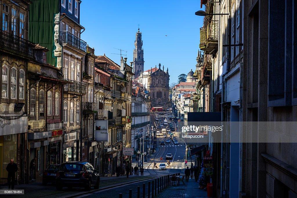 Porto, Rua Clerigos und Clerigos Kirche : Stock-Foto