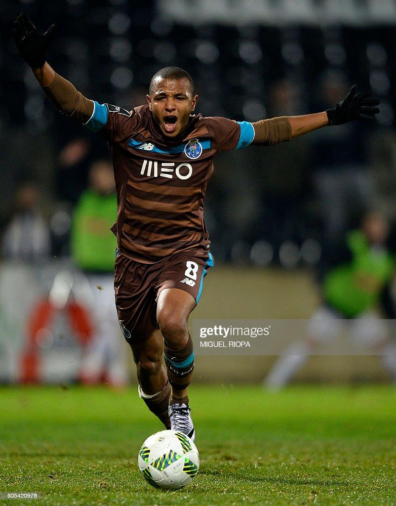 s et images de Vitoria de Guimaraes v FC Porto Primeira